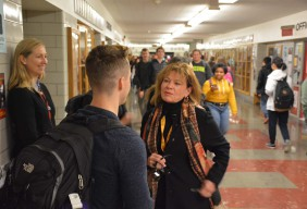 KGW-TV8s DJ Wilson visits with students at Lincoln High School as a part of her Principal for Almost a Day visit with Principal Peyton Chapman.